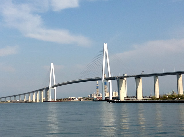 Picture of Shinminato Bridge
